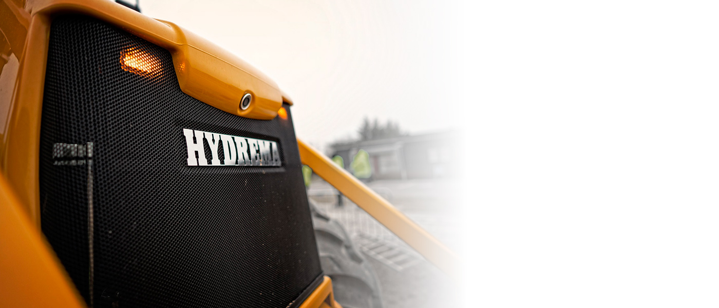 Hydrema 900F series LED flash lights increase the visibility of the machine